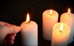candles-1076675_1920